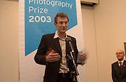Jeremy Vine, Citibank Photography prize 2003. Photographers Gallery, 27 February 2003. © Copyright Photograph by Dafydd Jones 66 Stockwell Park Rd. London SW9 0DA Tel 020 7733 0108 www.dafjones.com