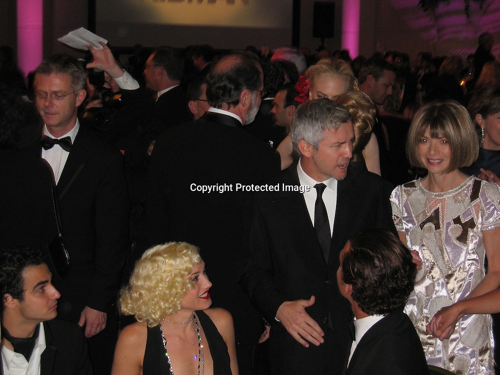 Zac Posen, Gwen Stefani, Baz Lurhman, Gavin Rossdale, Anna Wintour with Nicole Kidman<br />