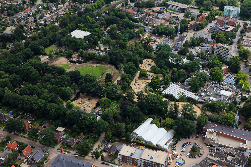 Nederland, Drenthe, Emmen, 30-06-2011; centrum met dierentuin Noorder Dierenpark..Center of Emmen and zoo Noorder Dierenpark. .luchtfoto (toeslag), aerial photo (additional fee required).copyright foto/photo Siebe Swart