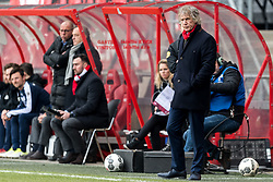 (L-R) assistent trainer Fred Grim of Sparta Rotterdam, coach Dick Advocaat of Sparta Rotterdam, coach Gertjan Verbeek of FC Twente during the Dutch Eredivisie match between FC Twente Enschede and Sparta Rotterdam at the Grolsch Veste on February 18, 2018 in Enschede, The Netherlands
