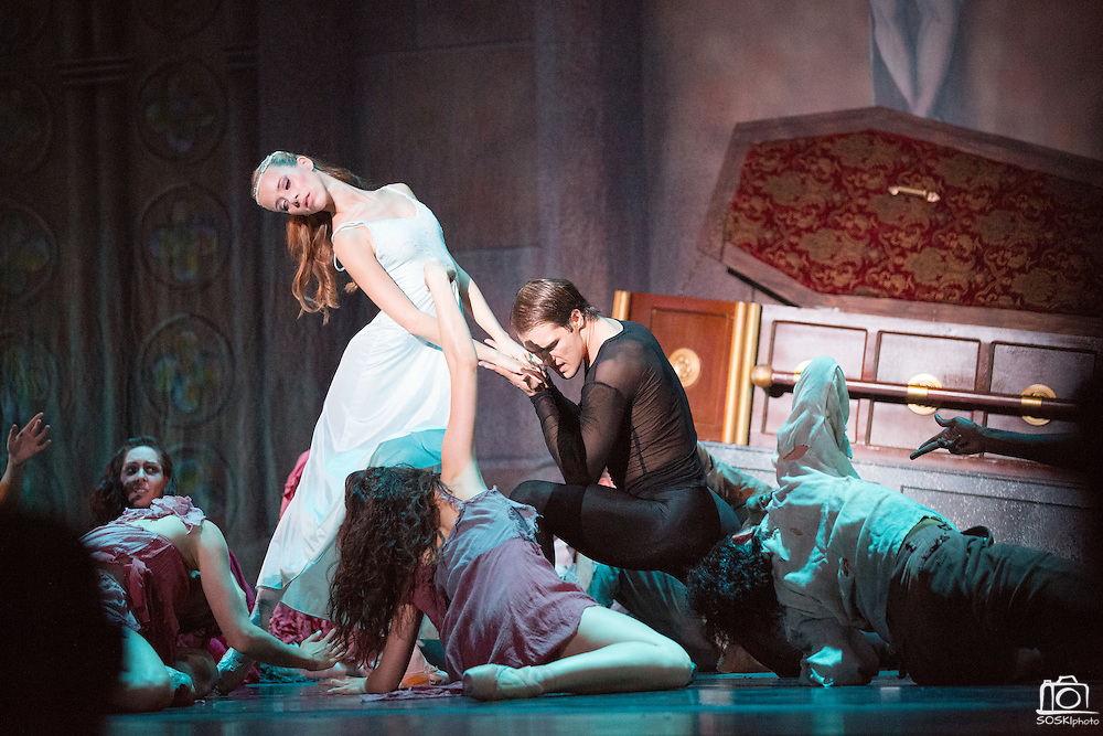 Peninsula Ballet Theatre performs Dracula - A Ballet to Die For at the Historic Fox Theatre in Redwood City, Calif., on Oct. 26, 2012.  Photo by Stan Olszewski/SOSKIphoto.