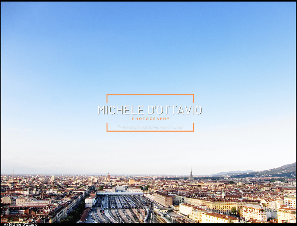Stazione Porta Nuova, Torino..Veduta aerea dello scalo, circa 200.000 mq situati alle porte del centro storico, di cui si prevede una trasformazione urbana.