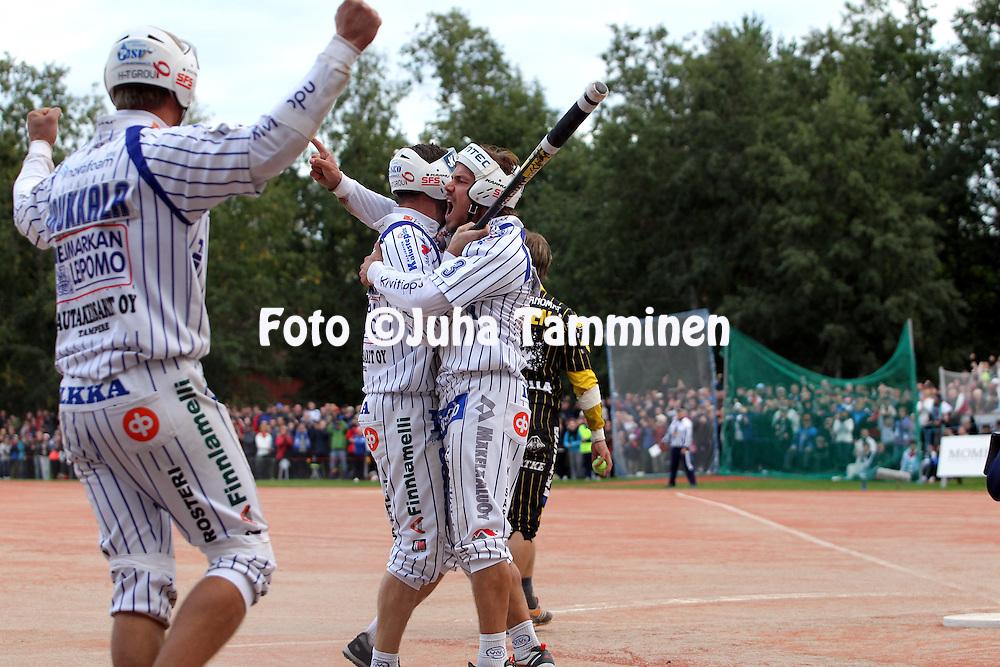 05.09.2010, Saarikentt?, Vimpeli..Superpesis 2010, 2. loppuottelu, Vimpelin Veto - Kouvolan Pallonly?j?t..Antti Kuusisto - Vimpeli.©Juha Tamminen.