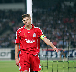 Athens, Greece - Wednesday, May 23, 2007: Liverpool's Steven Gerrard looks dejected after missing a chance against AC Milan during the UEFA Champions League Final at the OACA Spyro Louis Olympic Stadium. (Pic by David Rawcliffe/Propaganda)
