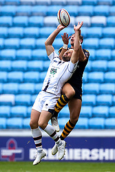 Chris Pennell of Worcester Warriors and Josh Bassett of Wasps challenge for a high ball - Mandatory by-line: Robbie Stephenson/JMP - 12/10/2019 - RUGBY - Ricoh Arena - Coventry, England - Wasps v Worcester Warriors - Premiership Rugby Cup