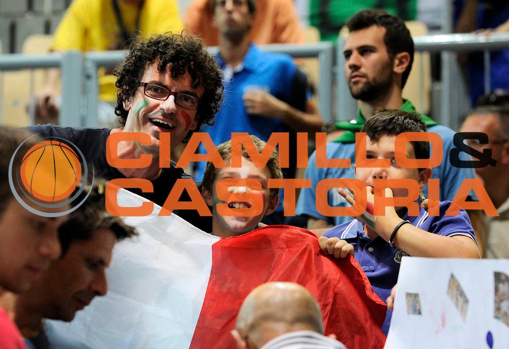 DESCRIZIONE : Capodistria Koper Slovenia Eurobasket Men 2013 Preliminary Round Grecia Italia Greece Italy<br /> GIOCATORE : <br /> CATEGORIA : pre game tifosi<br /> SQUADRA : <br /> EVENTO : Eurobasket Men 2013<br /> GARA : Grecia Italia Greece Italy<br /> DATA : 08/09/2013 <br /> SPORT : Pallacanestro&nbsp;<br /> AUTORE : Agenzia Ciamillo-Castoria/N. Dalla Mura<br /> Galleria : Eurobasket Men 2013 <br /> Fotonotizia : Capodistria Koper Slovenia Eurobasket Men 2013 Preliminary Round Grecia Italia Greece Italy