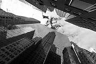 New York , Lexington avenue. the Chrysler building  reflected on a mirror tower / reflets miroir  du Chrysler Building   sur lexington avenue