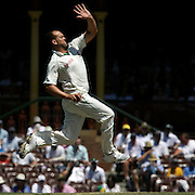 South African bowler Herschelle Gibbs in action during day four of the third test match between Australia and South Africa at the Sydney Cricket Ground on January 6, 2009 in Sydney, Australia. Photo Tim Clayton