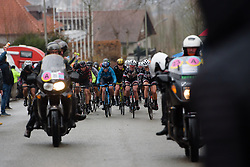The leaders approach the top of the climb at Dwars door Vlaanderen Elite Women 2018 - a 118 km road race from Tielt to Waregem on March 28, 2018. Photo by Sean Robinson/Velofocus.com