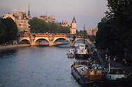 France. Paris.  SEine River in the Distance ile de la cité and . The pont neuf ,  connect rive droite and rive gauche / le pont neuf