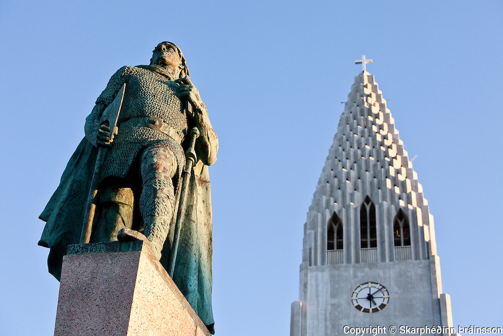 Leifur Eiriksson & Hallgrimskirkja, Reykjavík