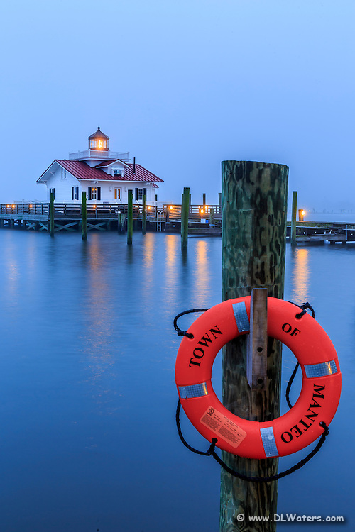 A fogy twilight morning at the Manteo waterfront.