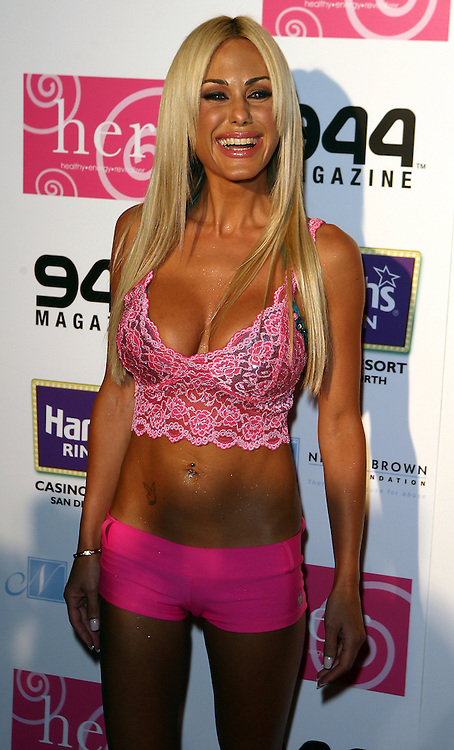 HOLMBY HILLS, CA - JULY 21: Actress Shauna Sand attends the H.E.R. Luau at The Playboy Mansion on July 21, 2007 in Holmby Hills, California.