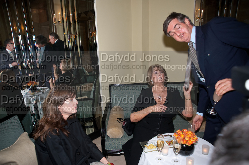 INDIA JANE BIRLEY; LADY ANNABEL GOLDSMITH; ROBIN BIRLEY, Book launch of Lady Annabel Goldsmith's third book, No Invitation Required. Claridges's. London. 11 November 2009