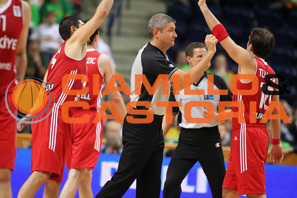 DESCRIZIONE : Vilnius Lithuania Lituania Eurobasket Men 2011 Second Round Serbia Turchia Serbia Turkey<br /> GIOCATORE : Luigi Lamonica<br /> SQUADRA : <br /> EVENTO : Eurobasket Men 2011<br /> GARA : Serbia Turchia Serbia Turkey<br /> DATA : 11/09/2011<br /> CATEGORIA : arbitro referees<br /> SPORT : Pallacanestro <br /> AUTORE : Agenzia Ciamillo-Castoria/ElioCastoria<br /> Galleria : Eurobasket Men 2011<br /> Fotonotizia : Vilnius Lithuania Lituania Eurobasket Men 2011 Second Round Serbia Turchia Serbia Turkey<br /> Predefinita :