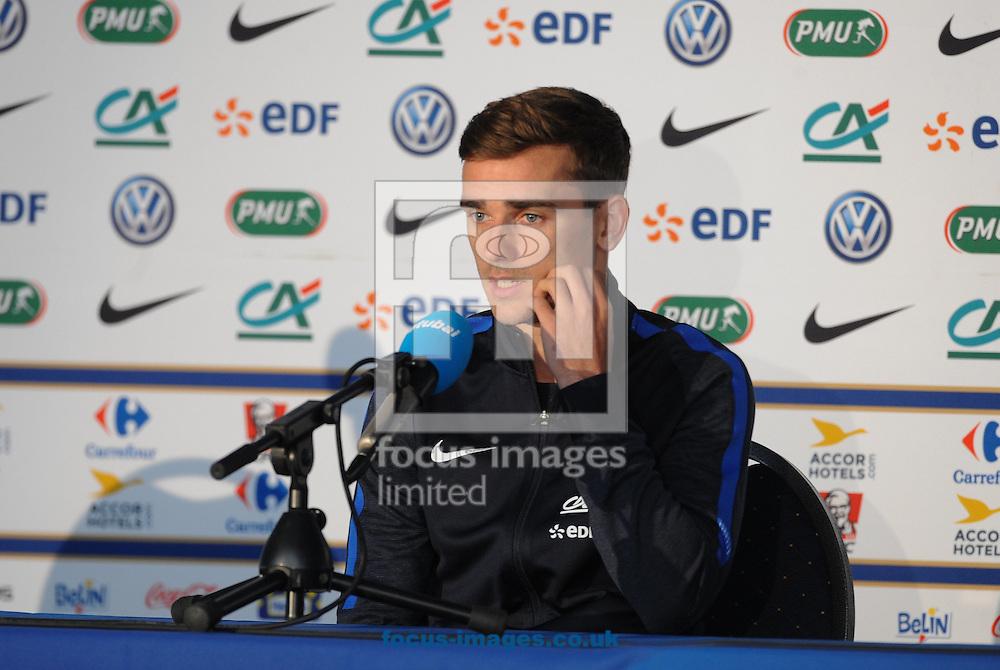 Antoine Griezmann speaks during France press conference at Alpenstadion, Neustift, Austria<br /> Picture by EXPA Pictures/Focus Images Ltd 07814482222<br /> 01/06/2016<br /> ***UK &amp; IRELAND ONLY***<br /> EXPA-SPI-160601-5008.jpg