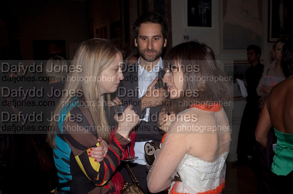 DAISY DE VILLENEUVE; IDRIS KHAN; SARAH MORRIS, Royal Academy of Arts Summer Exhibition Preview Party 2011. Royal Academy. Piccadilly. London. 2 June <br /> <br />  , -DO NOT ARCHIVE-© Copyright Photograph by Dafydd Jones. 248 Clapham Rd. London SW9 0PZ. Tel 0207 820 0771. www.dafjones.com.