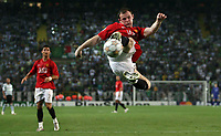 Photo: Paul Thomas.<br /> Sporting Lisbon v Manchester United. UEFA Champions League Group F. 19/09/2007.<br /> <br /> Wayne Rooney of Utd misses this acrobatic shot at goal.