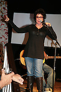 RUBY WAX, 'Anno's Africa' Opening of a charity fundraising  exhibition of paintings created by children from the Nairobi slums. Anno's Africa is an educational arts project in Nairobi which was set up in memory of Anno Birkin who died with two members of his band in a tragic car crash.  -DO NOT ARCHIVE-© Copyright Photograph by Dafydd Jones. 248 Clapham Rd. London SW9 0PZ. Tel 0207 820 0771. www.dafjones.com.