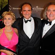NLD/Amsterdam/20111029- JFK Greatest Man Award 2011, Erik de Vlieger en patner samen met broer Frans