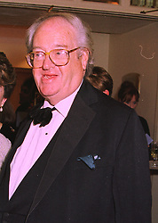 MR JOHN MORTIMER at a reception in London on 5th February 1998.<br /> MFF 24 MO