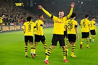 Bundesliga 2020: Borussia Dortmund - 1. FC Köln (5-1). Borussia Dortmunds Erling Braut Haaland jubler mot den gule veggen etter sin 5-1 scoring i bundesligakampen i fotball mellom Borussia Dortmund og 1. FC Köln på Signal Iduna Park.