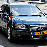 NLD/Amsterdam/20100612 - Prinses Máxima geeft startsein voor de 2de editie van Het Concertgebouw Open in Amsterdam, aankomst met een hofauto
