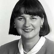 NLD/Huizen/19911114 - Ria Tellier-Hoogstrate D'66 raadslid gemeenteraad Huizen