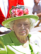 Queen Elizabeth Sunglasses To Royal Ascot