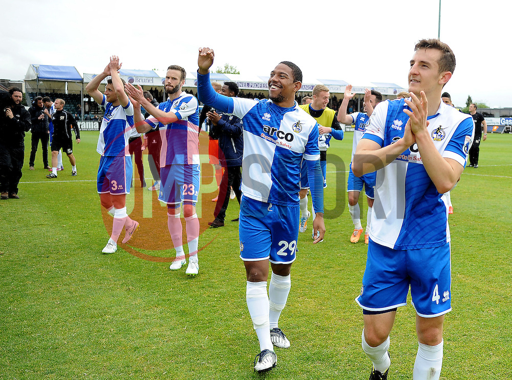 Bristol Rovers applaud the fans - Photo mandatory by-line: Neil Brookman/JMP - Mobile: 07966 386802 - 03/05/2015 - SPORT - Football - Bristol - Memorial Stadium - Bristol Rovers v Forest Green Rovers - Vanarama Football Conference