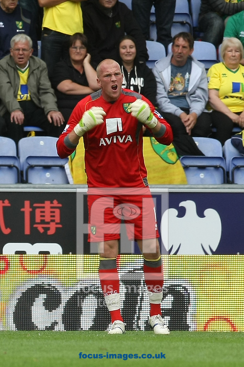 John Ruddy of Norwich berates his defence during the Barclays Premier League match at the DW Stadium, Wigan...Picture by Paul Chesterton/Focus Images Ltd. .07904 640267.13/8/11