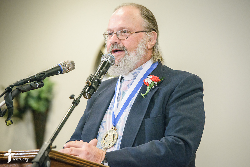 "The Rev. E. James Rivett, ""Christus in Mundo (""Christ in the World"") award recipient, speaks at the SPM Zion XVI Conference award banquet on Saturday, Sept. 17, 2016, at the National Shrine of Our Lady of the Snows in Belleville, Ill. LCMS Communications/Erik M. Lunsford"