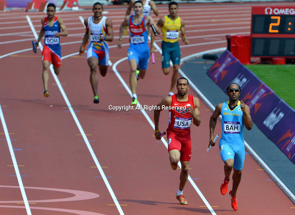 09.08.2012. London England.  USA and Bahamas compete during Mens 4x400m Relay Race  London 2012 Olympic Games Both The Bahamas and The USA Teams Advanced to The Final