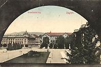 Zagreb : Sveučilišni trg. <br /> <br /> ImpresumS. l. : S. n., [1913].<br /> Materijalni opis1 razglednica : tisak ; 8,9 x 13,9 cm.<br /> Vrstavizualna građa • razglednice<br /> ZbirkaGrafička zbirka NSK • Zbirka razglednica<br /> ProjektPozdrav iz Hrvatske • Pozdrav iz Zagreba<br /> Formatimage/jpeg<br /> PredmetZagreb –– Trg Republike Hrvatske<br /> SignaturaRZG-TMT-5<br /> Obuhvat(vremenski)20. stoljeće<br /> NapomenaRazglednica je putovala 1913. godine.<br /> PravaJavno dobro<br /> Identifikatori000953123<br /> NBN.HRNBN: urn:nbn:hr:238:771028 <br /> <br /> Izvor: Digitalne zbirke Nacionalne i sveučilišne knjižnice u Zagrebu