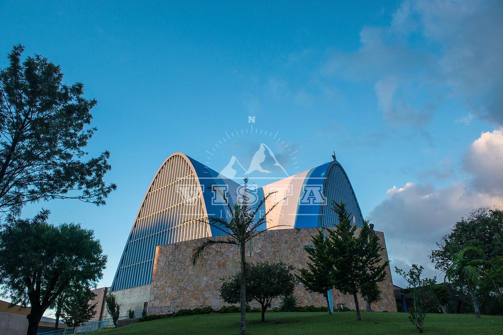 Igreja Matriz São Miguel Arcanjo, São Miguel do Oeste, Santa Catarina - foto de Zé Paiva - Vista Imagens