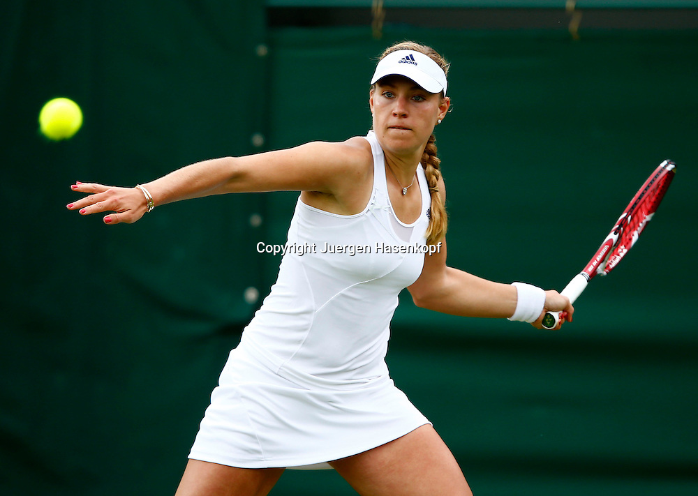 Wimbledon Championships 2013, AELTC,London,<br /> ITF Grand Slam Tennis Tournament,<br /> Angelique Kerber (GER),Aktion,Einzelbild,Halbkoerper,Hochformat,