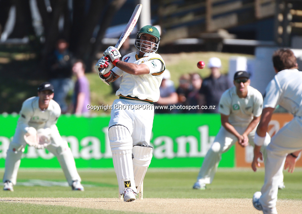 Pakistan batsman Taufeeq Umar on Day 2 of the 2nd test match.  New Zealand Black Caps v Pakistan, Test Match Cricket. Basin Reserve, Wellington, New Zealand. Sunday 16 January 2011. Photo: Andrew Cornaga/photosport.co.nz