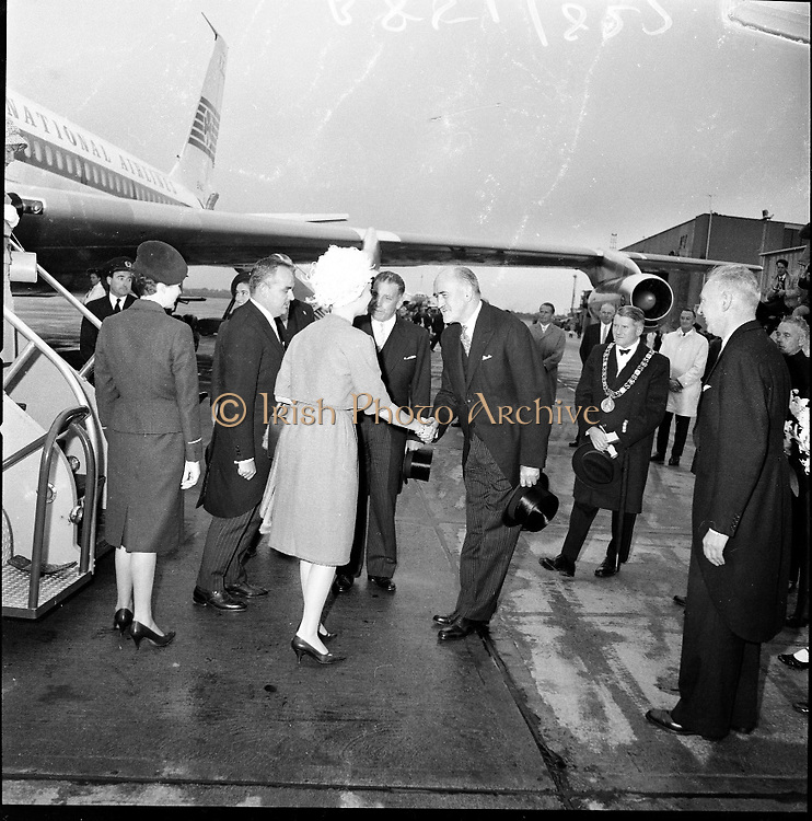 Royal Visit to Ireland by Princess Grace and Prince Rainier of Monaco. The royal couple are welcomed to Ireland at Dublin Airport after a flight from La Bourget airport outside Paris. The official arrival ceremony was watched by over 10 000 people..10.06.1961