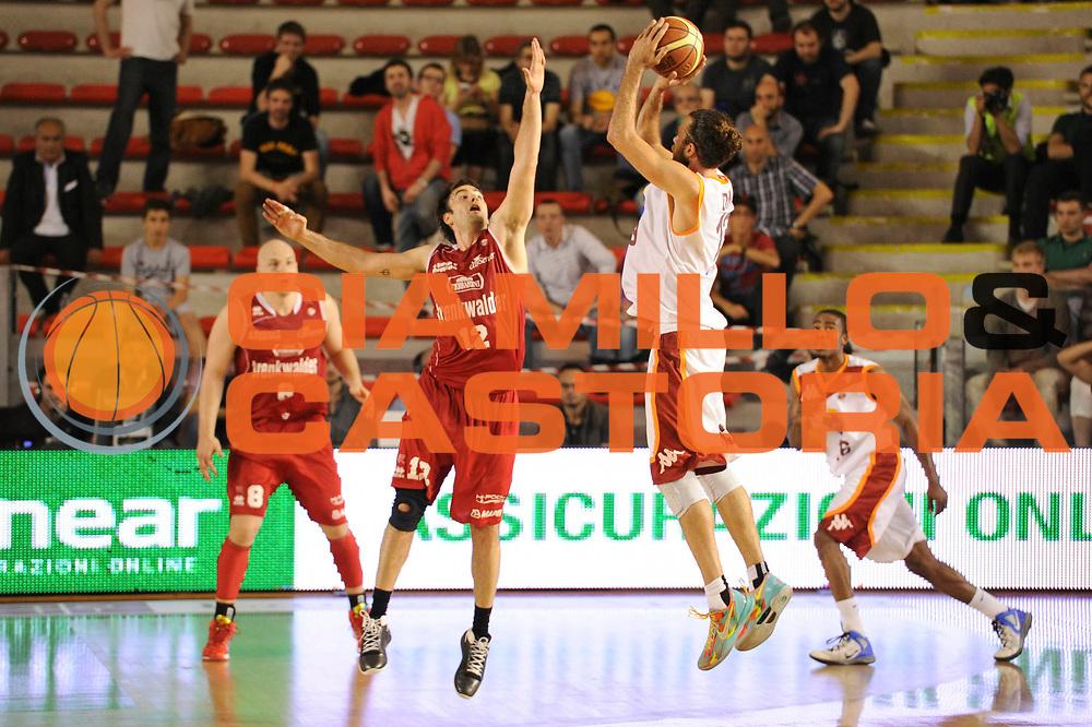 DESCRIZIONE : Roma Lega A 2012-13 Acea Virtus Roma Trenkwalder Reggio Emilia Gara 1<br /> GIOCATORE : Luigi Datome<br /> CATEGORIA : three points controcampo <br /> SQUADRA : Acea Virtus Roma<br /> EVENTO : Campionato Lega A 2012-2013 Play Off Quarti Gara1<br /> GARA : Acea Virtus Roma Trenkwalder Reggio Emilia Gara 1 <br /> DATA : 09/05/2013<br /> SPORT : Pallacanestro <br /> AUTORE : Agenzia Ciamillo-Castoria/N. Dalla Mura<br /> Galleria : Lega Basket A 2012-2013 <br /> Fotonotizia : Roma Lega A 2012-13 Acea Virtus Roma Trenkwalder  Reggio Emilia Gara 1