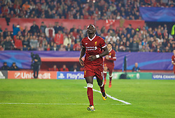 SEVILLE, SPAIN - Tuesday, November 21, 2017: Liverpool's Sadio Mane celebrates scoring the second goal during the UEFA Champions League Group E match between Sevilla FC and Liverpool FC at the Estadio Ramón Sánchez Pizjuán. (Pic by David Rawcliffe/Propaganda)