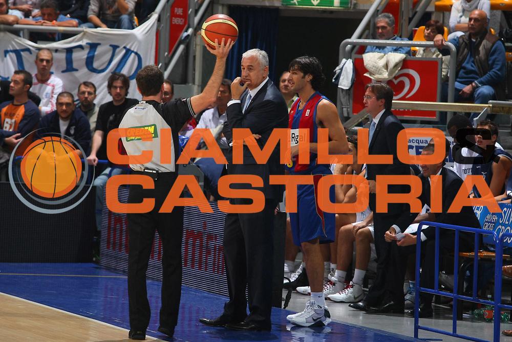 DESCRIZIONE : Bologna Lega A1 2008-09 Amichevole Upim Fortitudo Bologna Regal FC Barcellona<br /> GIOCATORE : Gianluca Basile Dragan Sakota<br /> SQUADRA : Regal FC Barcellona<br /> EVENTO : Campionato Lega A1 2008-2009 <br /> GARA : Upim Fortitudo Bologna Regal FC Barcellona<br /> DATA : 01/10/2008 <br /> CATEGORIA : <br /> SPORT : Pallacanestro <br /> AUTORE : Agenzia Ciamillo-Castoria/G.Ciamillo<br /> Galleria : Lega Basket A1 2008-2009 <br /> Fotonotizia : Bologna Lega A1 2008-09 Amichevole Upim Fortitudo Bologna Regal FC Barcellona<br /> Predefinita :