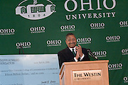 17601Scripps Howard Foundation Announcement of 15 million dollar gift to the College of Communication at the Westin in Cincinnati 4/4/06..Dr. Roderick J. McDavis, president of Ohio University