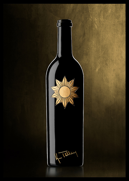Tolley Wines bottle designed by Barrie Tucker