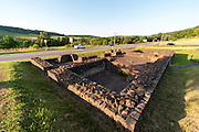 Reste eines Römerkastells in Nackarburken, römisches Bad, Odenwald, Baden-Württemberg, Deutschland | Remains of a Roman fort in Nackarburken, Roman bath, Odenwald, Baden-Württemberg, Germany