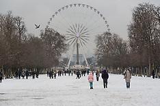 Snow in Paris - 5 FEb 2018
