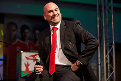 CARDIFF, WALES - Wednesday, June 1, 2016: Wales' performance psychologist Ian Mitchall during charity send-off gala dinner at the Vale Resort Hotel ahead of the UEFA Euro 2016. (Pic by David Rawcliffe/Propaganda)