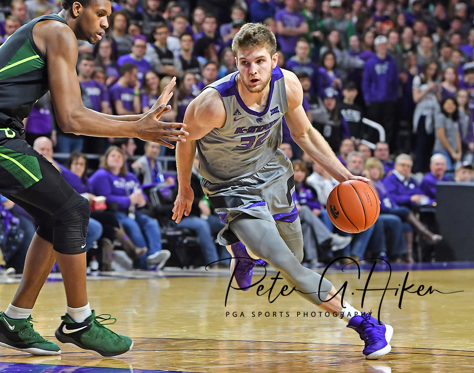 MANHATTAN, KS - MARCH 02:  Dean Wade #32 of the Kansas State Wildcats drives with the ball during the second half against the Baylor Bears on March 2, 2019 at Bramlage Coliseum in Manhattan, Kansas.  (Photo by Peter G. Aiken/Getty Images) *** Local Caption ***  Dean Wade