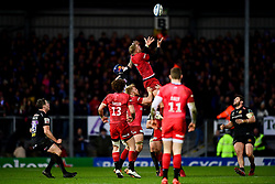 Jack Nowell of Exeter Chiefs contends for the aerial ball with Nick Isiekwe of Saracens - Mandatory by-line: Ryan Hiscott/JMP - 29/12/2019 - RUGBY - Sandy Park - Exeter, England - Exeter Chiefs v Saracens - Gallagher Premiership Rugby