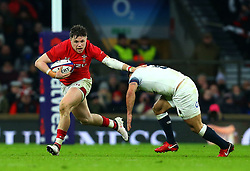 Steff Evans of Wales takes on Danny Care of England - Mandatory by-line: Robbie Stephenson/JMP - 10/02/2018 - RUGBY - Twickenham Stoop - London, England - England v Wales - Women's Six Nations