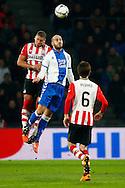 04-02-2016 VOETBAL:PSV-UTRECHT:BEKER:EINDHOVEN<br /> Ruud Boymans in duel met Jeffrey Bruma van PSV <br /> <br /> Foto: Geert van Erven